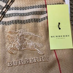 Authentic NWT Burberry scarf